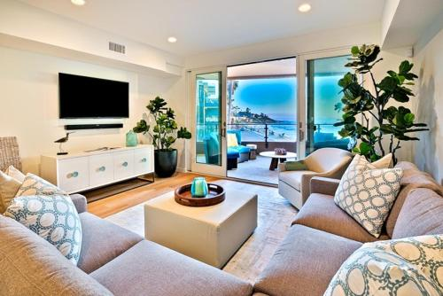 #6767 - Serenity by the Seashore Three-Bedroom Apartment - La Jolla, CA 92037