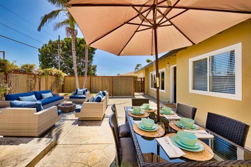 #551- Windansea Getaway Four-Bedroom Holiday Home - La Jolla, CA 92037