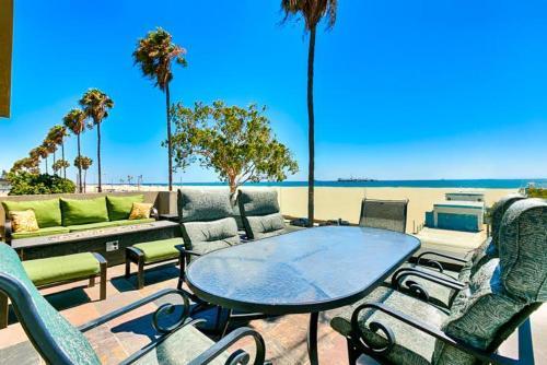 LBC-5121 - Coastal Escape Five-Bedroom Holiday Home - Long Beach, CA 90803
