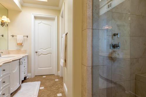 #7356 - Seascape Estate Seven-Bedroom Holiday Home - La Jolla, CA 92037