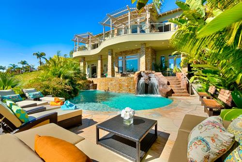 #4485 - Paradise Shores Seven-Bedroom Holiday Home