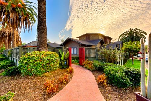 Heritage Compound Seven-Bedroom Holiday Home - La Jolla, CA 92037