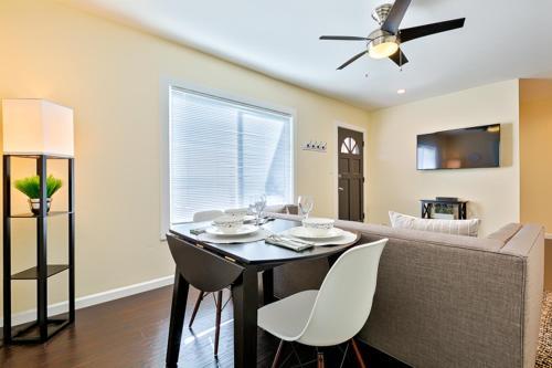#3851 - Riviera Jewel Three-Bedroom Holiday Home - San Diego, CA 92109