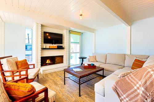 NB-126 - Modern Newport Beach Condo Four-Bedroom Apartment - Newport Beach, CA 92663