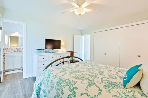 #1945 - Sweet Spot I Three-Bedroom Holiday Home - Del Mar, CA 92014