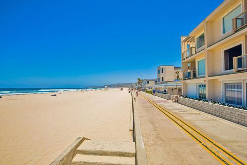 #3755 - Oceanfront Getaway Two-Bedroom Apartment