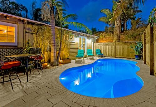 #363 - Poolside Paradise Three-Bedroom Holiday Home
