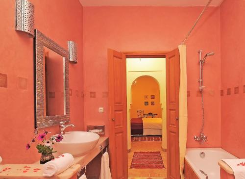 Douar Toufsirine, 40000 Tahanout, Morocco.