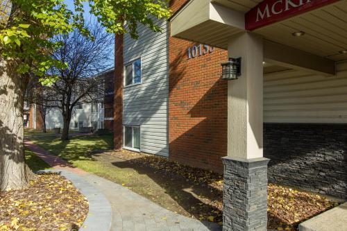 McKinnon Pointe #109 - Edmonton, AB T5P 1T5