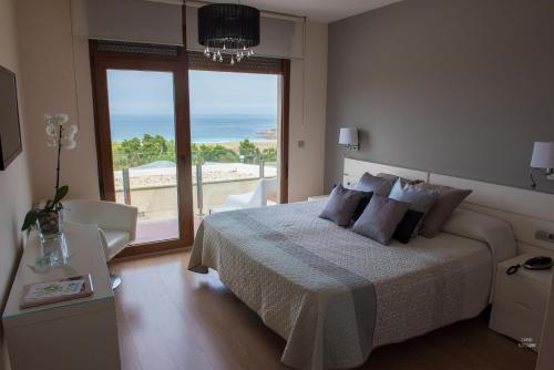Double or Twin Room with Spa Access Hotel Naturaleza Mar da Ardora Wellness & Spa 9