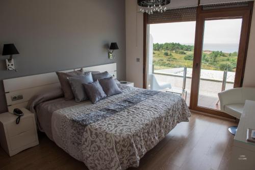 Double or Twin Room with Sea View Hotel Naturaleza Mar da Ardora Wellness & Spa 18