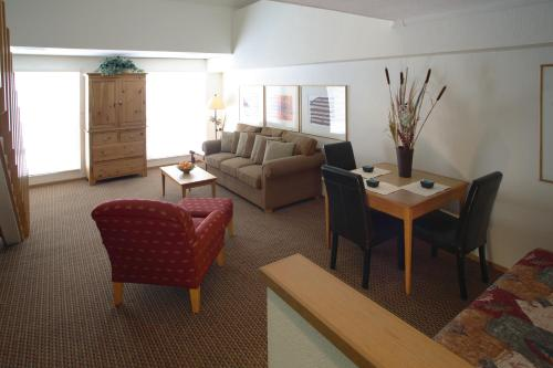 Squaw Valley Lodge - Tahoe City, CA 96146