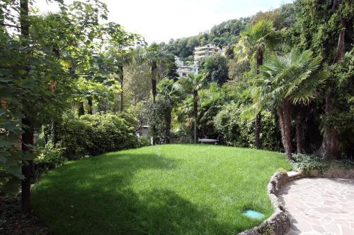 Via Rosales 1, 22100 Como, Italy.