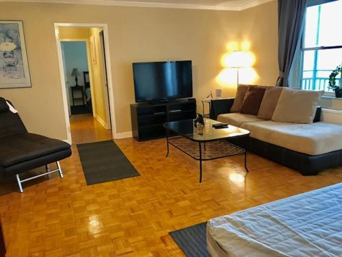 HotelDowntown 2 Bedroom Apt 5I