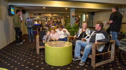 Laurieton Hotel, Port Macquarie-Hastings - Pt B