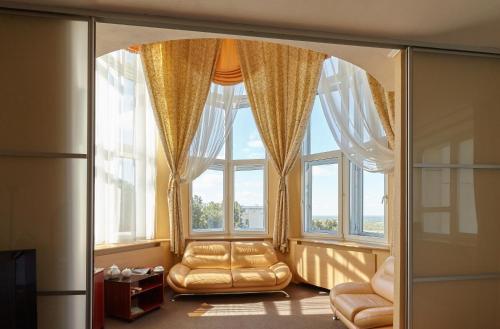 Гостиница Октябрьская Люкс с 1 спальней