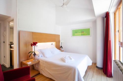 Small Double or Twin Room Tierra de Biescas 32