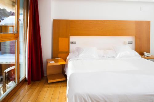 Double or Twin Room Tierra de Biescas 16