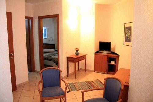 . Mindel Hotel