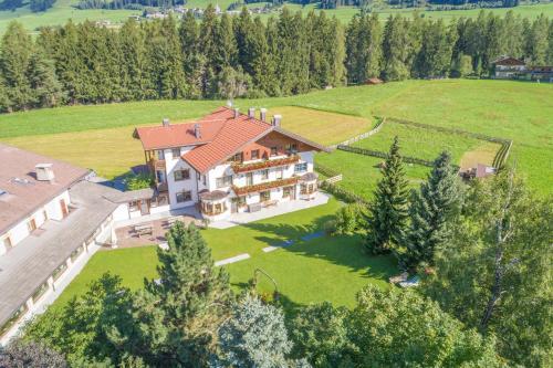 Apartments Hubertushof - Accommodation - Dobbiaco