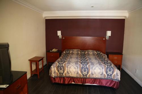 Chateau Inn & Suites - Downey, CA 90241