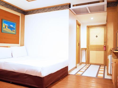 Bavana Hotel photo 67