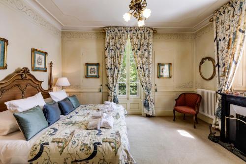 Suite with Additional Separate Single Room