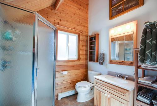 Charming Log Cabin At Al Tahoe - Lake Tahoe, CA 96150