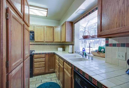 Moss Mountain Home - Lake Tahoe, CA 96150