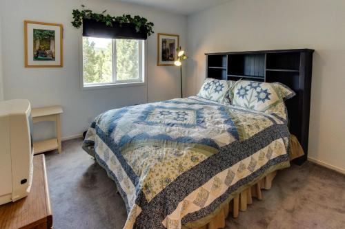 Solvang Family Getaway - Truckee, CA 96161