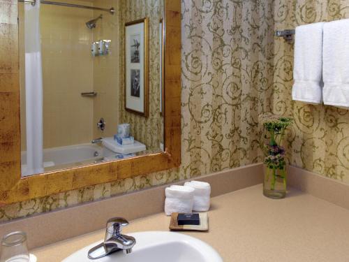 Deerhurst Resort - Photo 7 of 54