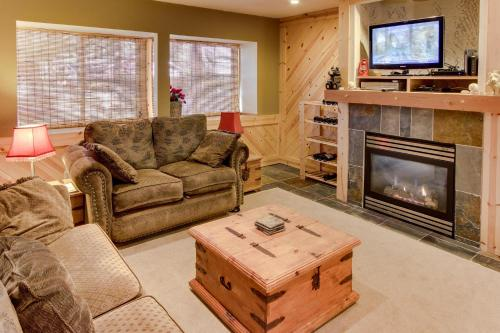 Tamarack Mountain Home - Lake Tahoe, CA 96150