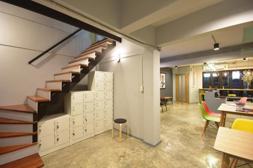 The Chatbox Silom Hostel photo 3
