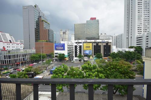 The Chatbox Silom Hostel photo 7