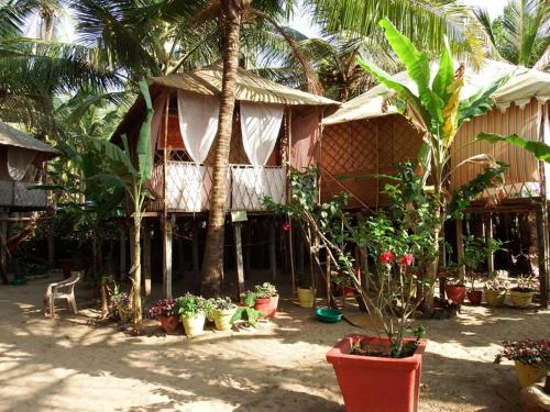 Cottage at Agonda Beach, Goa, by GuestHouser 31905