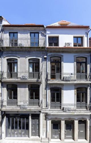 BO - Almada 346, 4050-033 Porto