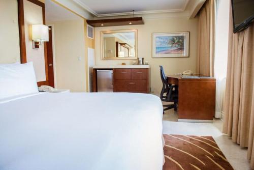 British Colonial Hilton Nassau room photos