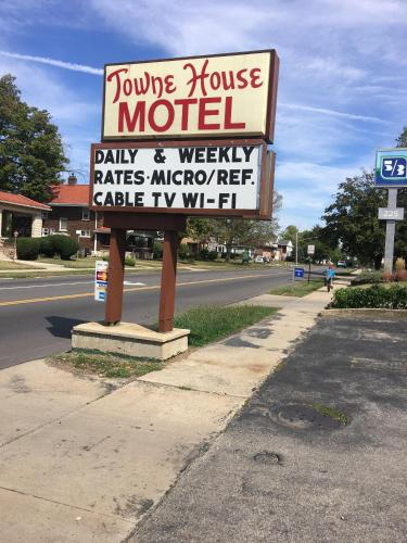 Towne House Motel