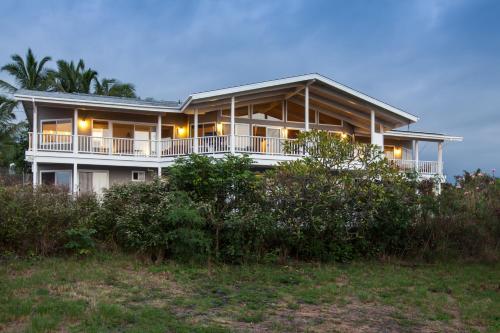 Kona Coastview Vacation Home - Kailua Kona, HI 96740