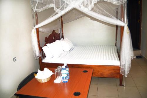Sandton Hotel Kasese room photos