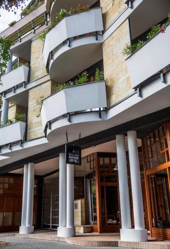 . Semiramis Business Hotel