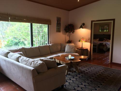 . Casa Cielo 2 Bedroom/2 bath Home - Sleeps 6 - 150 Meters Walk/Drive to Everything - Incredible Views!