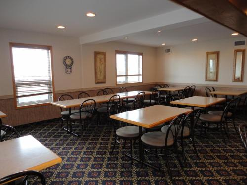 Perfect Inns & Suites - Weyburn, SK S4H 2J8