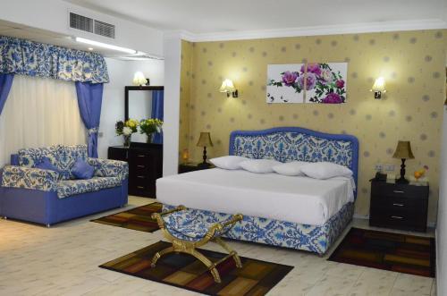 Holidays Express Hotel - image 4