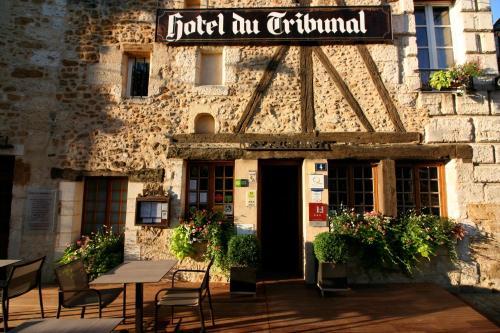 . Hôtel du Tribunal - Room service disponible