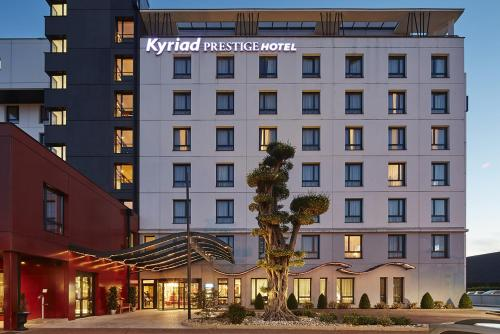 Kyriad Prestige Lyon Est - Saint Priest Eurexpo Hotel and SPA - Saint-Priest