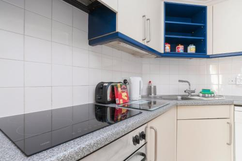 Lovely 2 bed in Dean Village with Private Parking photo 24