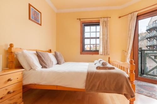 Lovely 2 bed in Dean Village with Private Parking photo 36