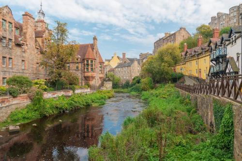 Lovely 2 bed in Dean Village with Private Parking photo 39