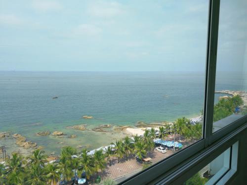 . Bangsaen Royal Beach